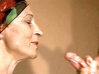Skinny Retro Mummy Pleases Youthfull Plower With Taut Classical Suck Off